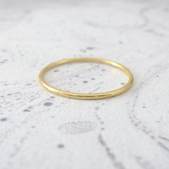 Skinny band ring - 18ct red gold