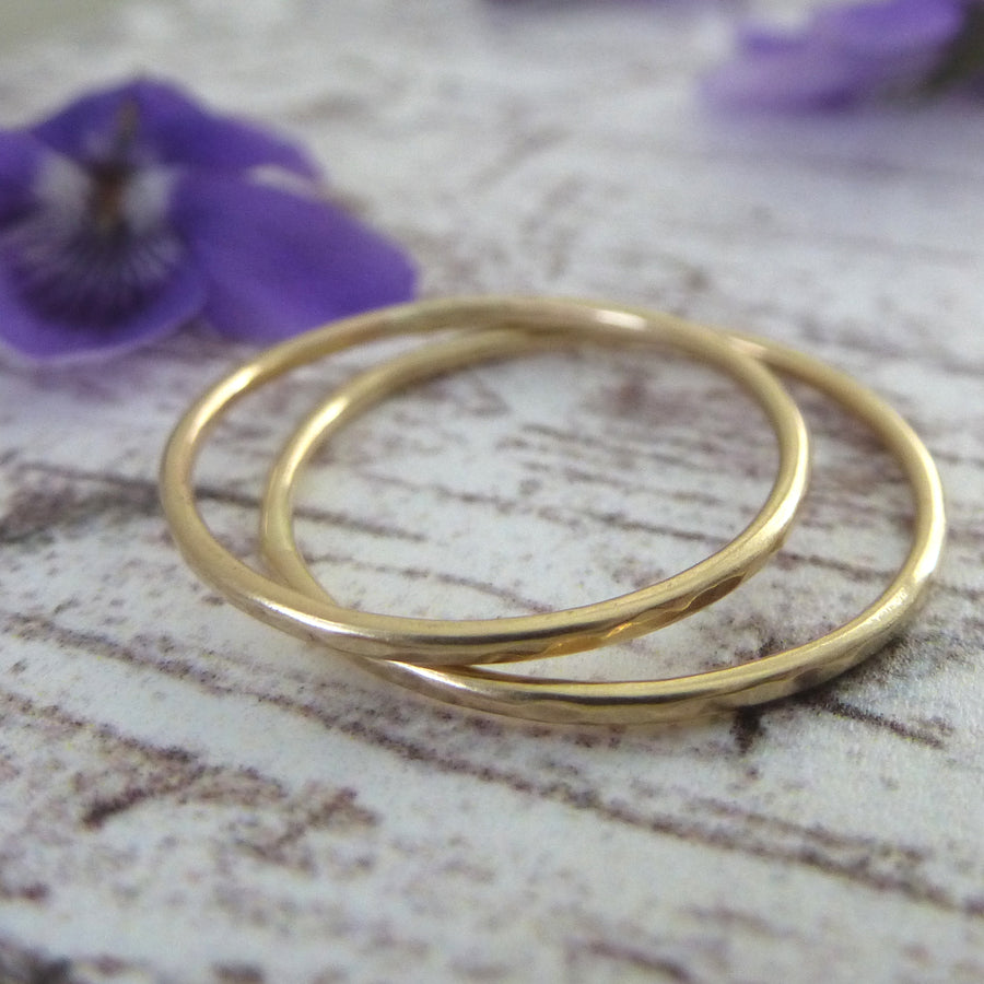 Skinny hammered band ring - 9ct yellow gold