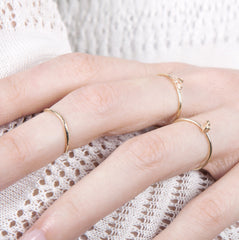 Rocking Wishbone 9ct Gold Midi Ring