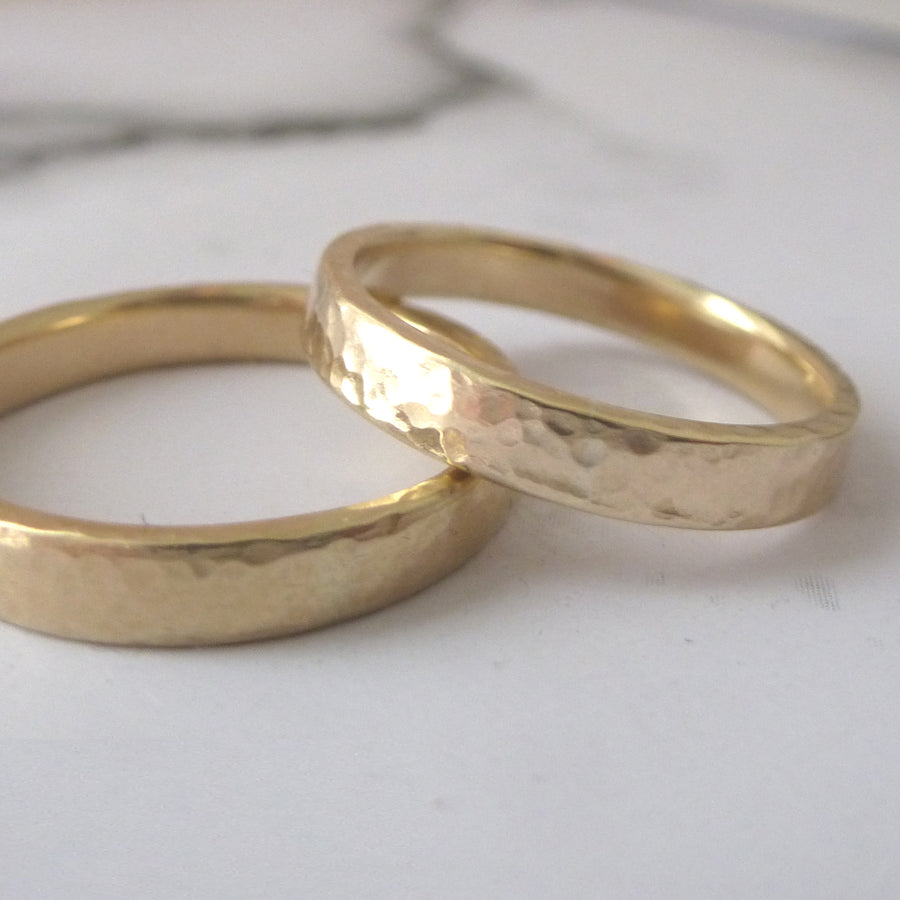 Slim Band Ring in 9ct Gold - 9ct yellow - 3mm - Hammered or Smooth