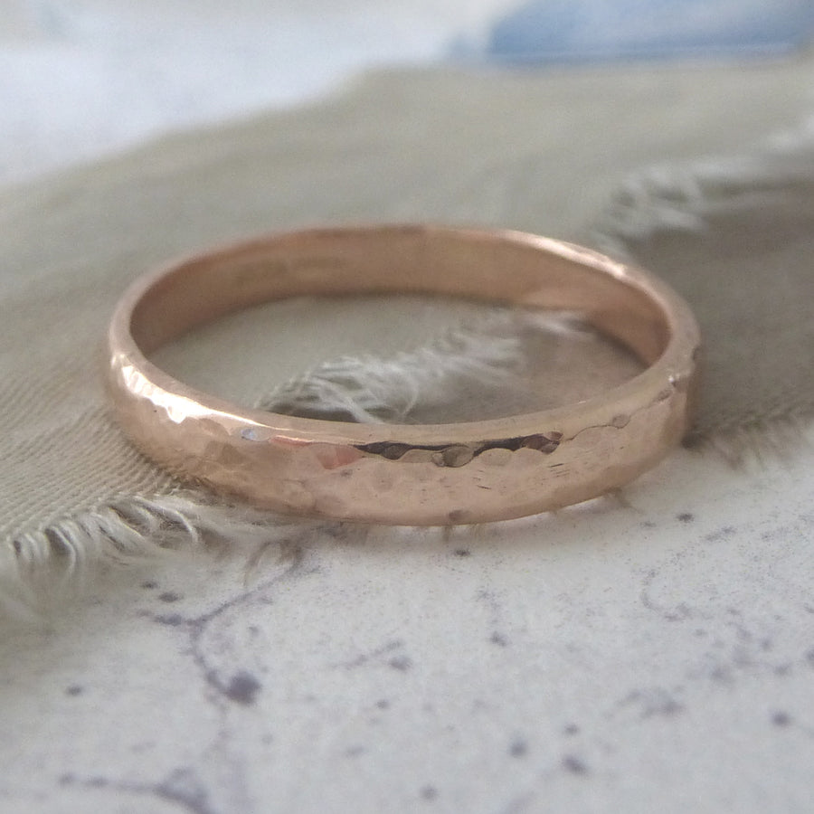 Slim Band Ring in 9ct Gold - 9ct rose - 3mm - Hammered or Smooth