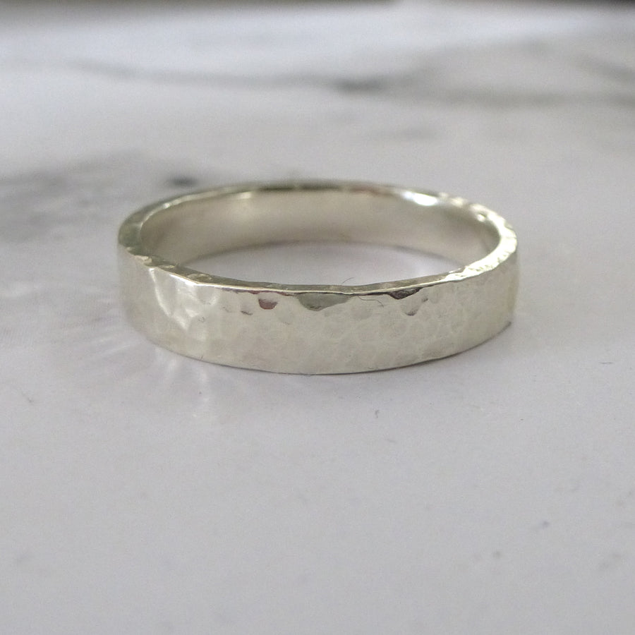 Slim Band Ring in 9ct Gold - 9ct white - 4mm - Hammered or Smooth