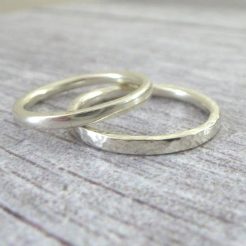 Elegant Band Ring in 9ct Gold - 2mm - white - Hammered or Smooth