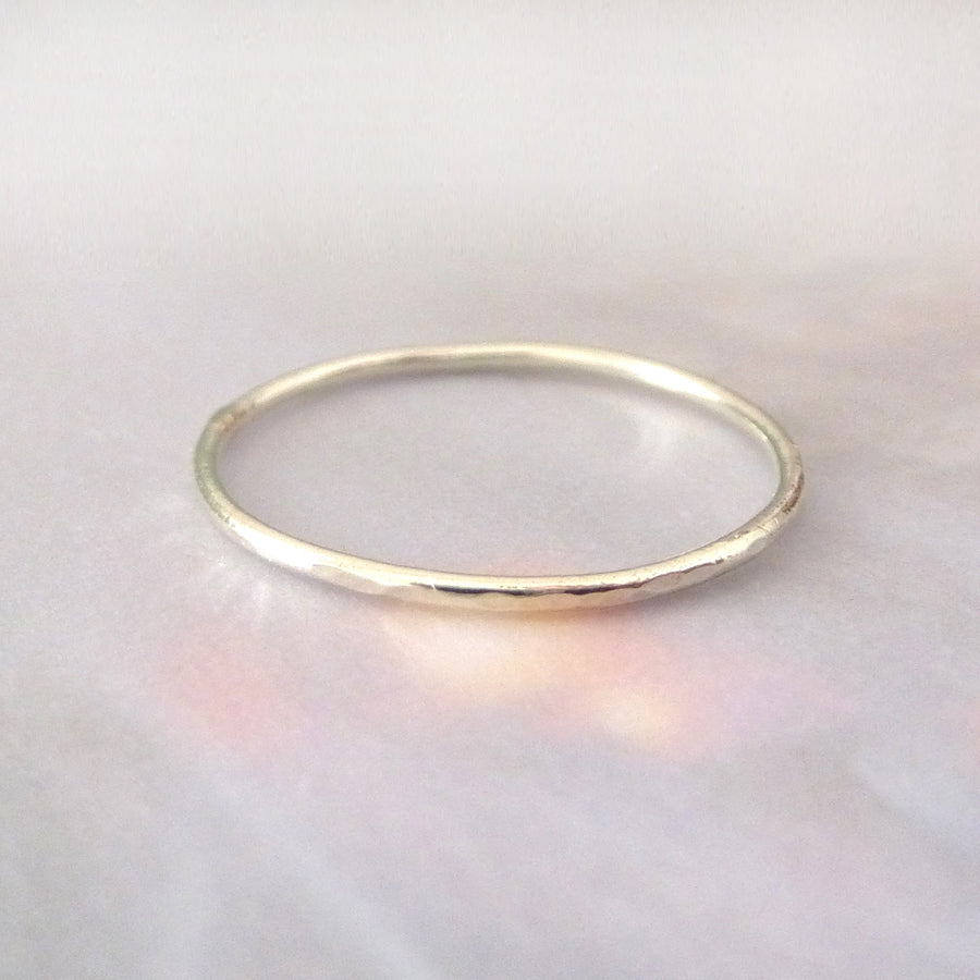 Skinny hammered band ring - 9ct white gold