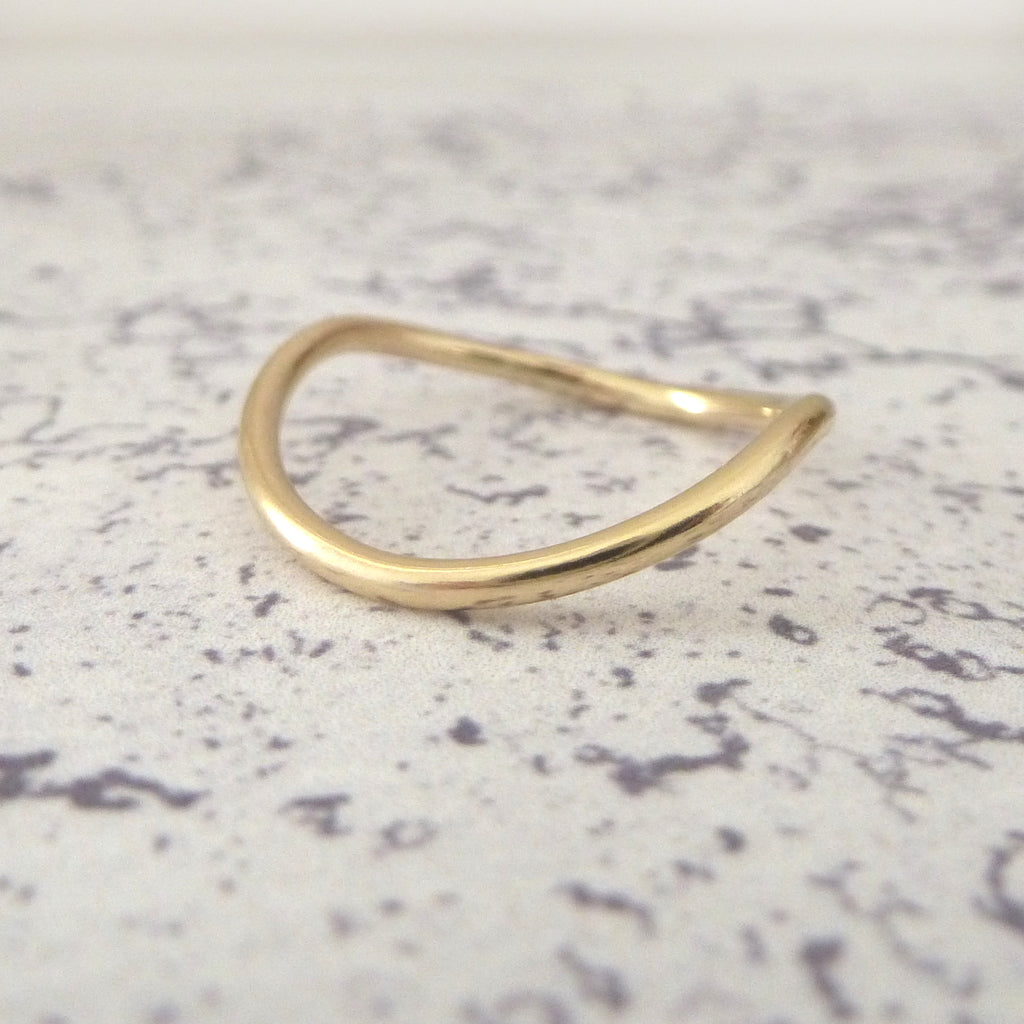 Rocking Wishbone 9ct Gold - 1.5mm
