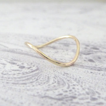 Skinny Rocking Wishbone 9ct Gold Midi Ring
