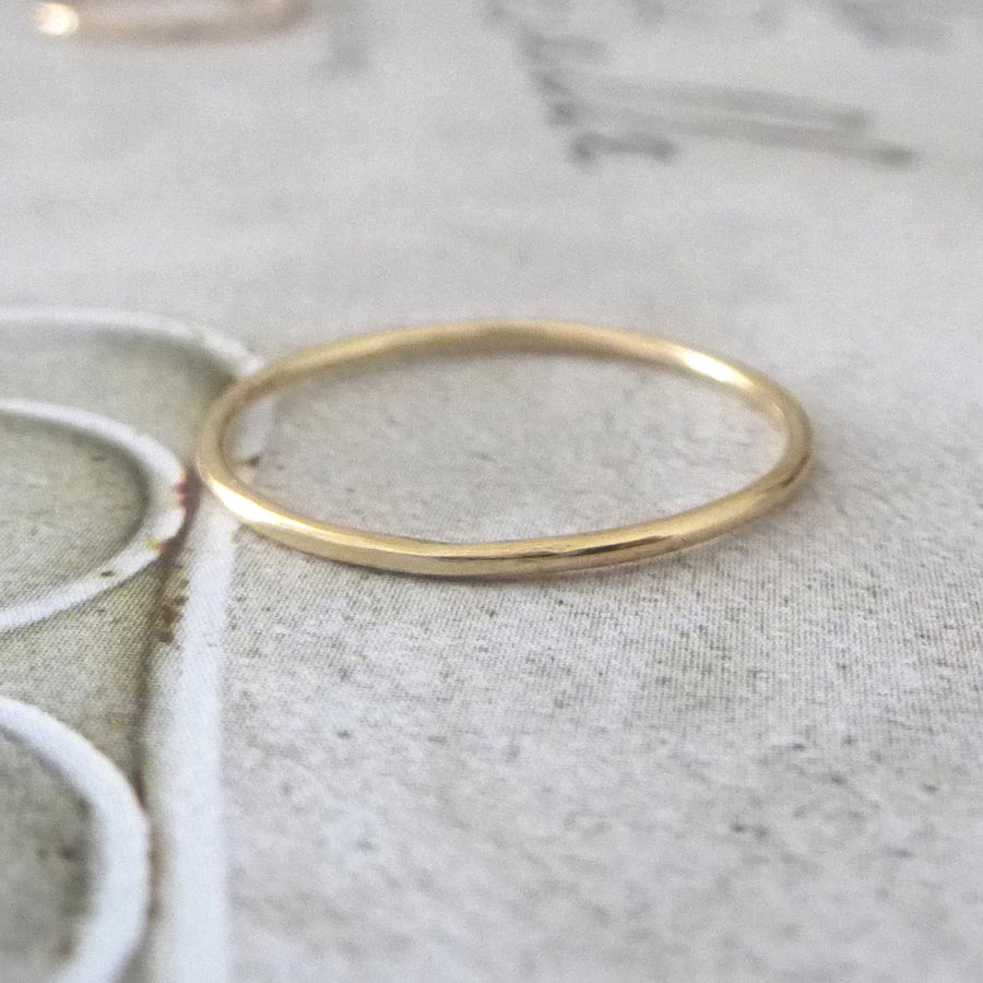 Skinny smooth band ring - 9ct yellow gold