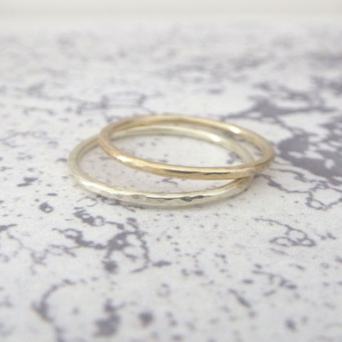 Elegant Band Ring in 9ct Yellow Gold - 1.2mm - Hammered or Smooth