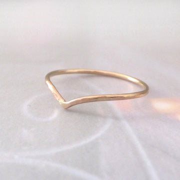Skinny Holly Wishbone 9ct Gold Midi Ring - rose or yellow
