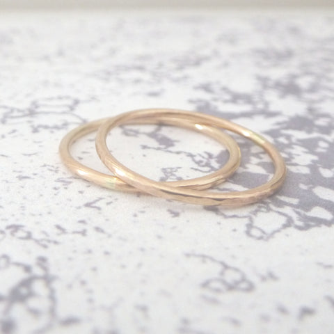 Elegant Band Ring in 9ct Rose Gold - 1.2mm - Hammered or Smooth