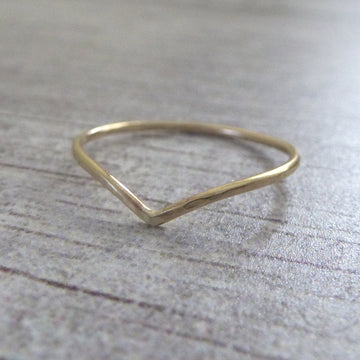 Skinny Holly Wishbone 9ct Gold Ring - yellow