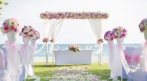25 Beach Wedding Ideas to Inspire Your Blue Sky Summer Wedding