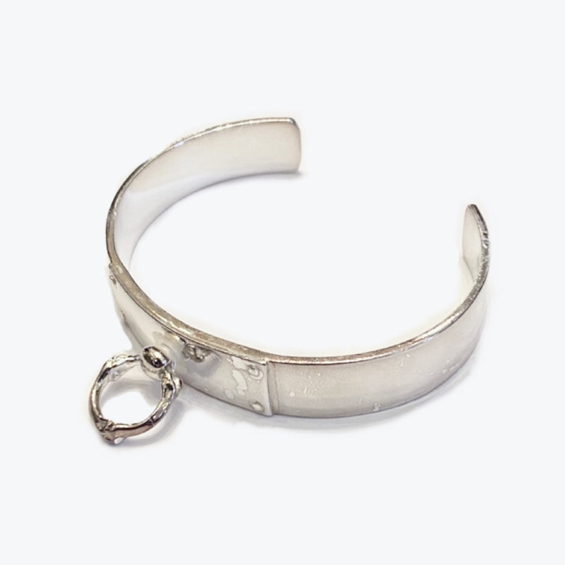 single bone shaped ring narrow cuff.
