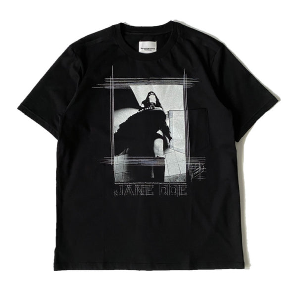 jane doe's portrait.2 (s/s tee)