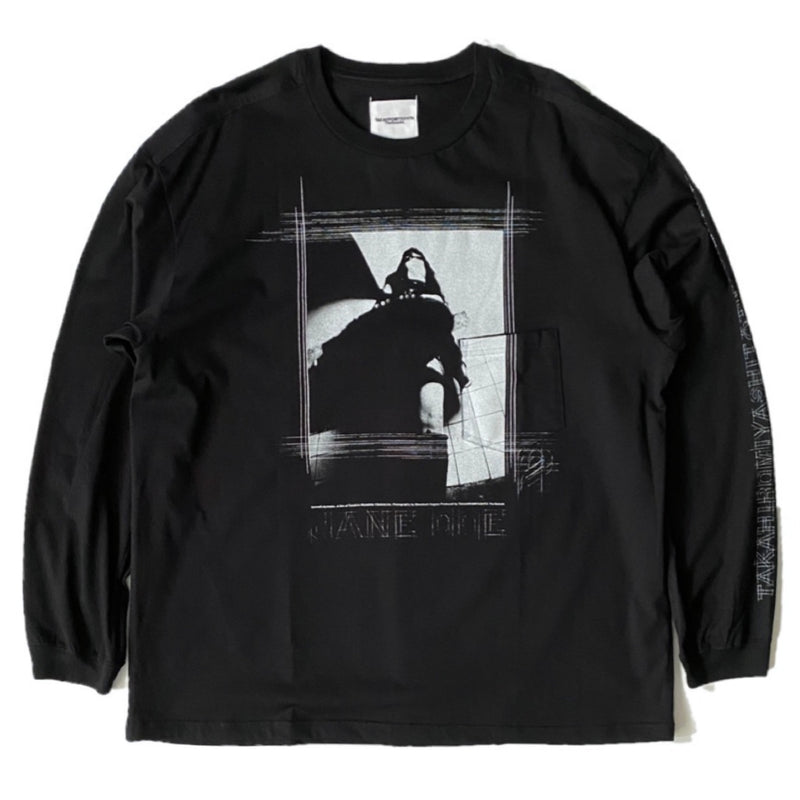 jane doe's portrait.2 (oversized l/s tee)