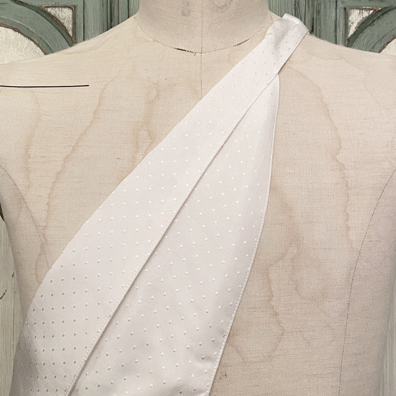 shawl collar bib.