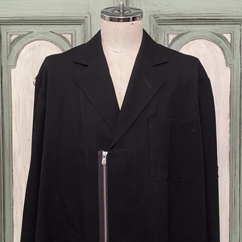 notched lapel doctor jacket.