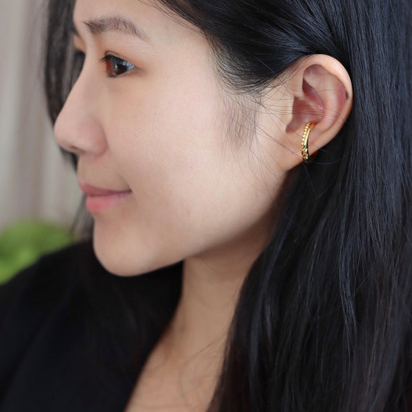 Gold Mamba Ear Cuff 耳骨夾