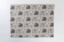 Load image into Gallery viewer, LINEN PLACEMAT SHEEP