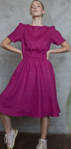 LINEN DRESS WITH ELASTIC WAISTBAND IN RASPBERRY