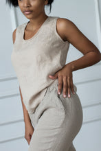 Load image into Gallery viewer, ROUND-NECK LINEN TANK TOP IN CREME BRULEE