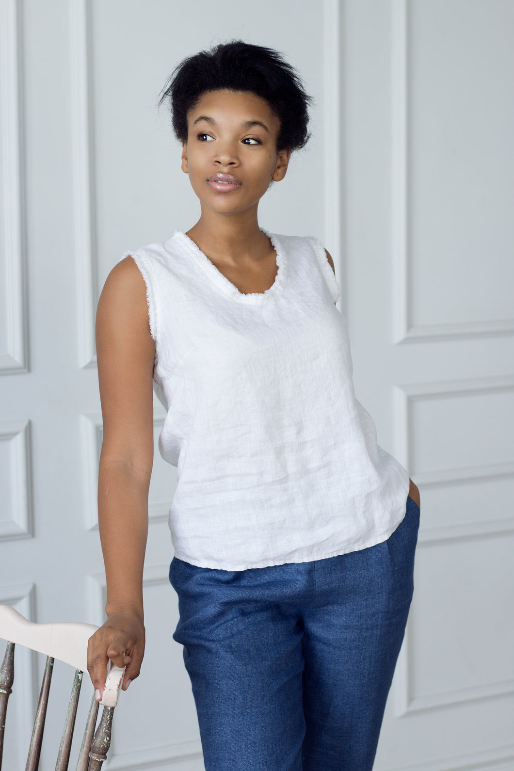 ROUND-NECK LINEN TOP WITH FRINGE IN WHITE