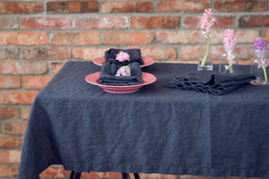 SET OF LINEN NAPKINS IN CHARCOAL