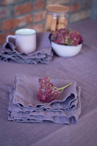 SET OF LINEN NAPKINS IN LAVENDER
