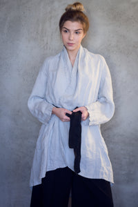 LINEN KIMONO JACKET WITH BELT IN PEARL GREY