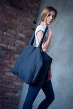 Load image into Gallery viewer, LARGE LINEN TOTE BAG IN CHARCOAL