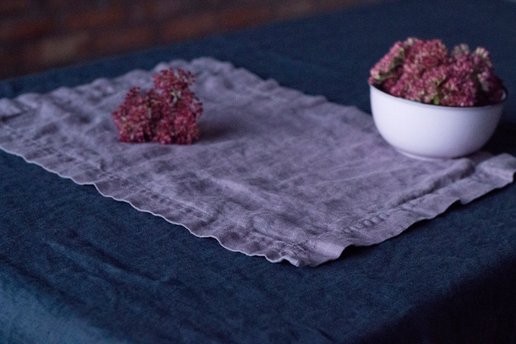 SET OF LINEN PLACEMATS IN LAVENDER