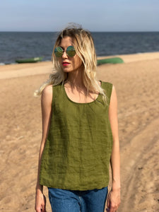 ROUND-NECK LINEN TANK TOP IN MOSS GREEN