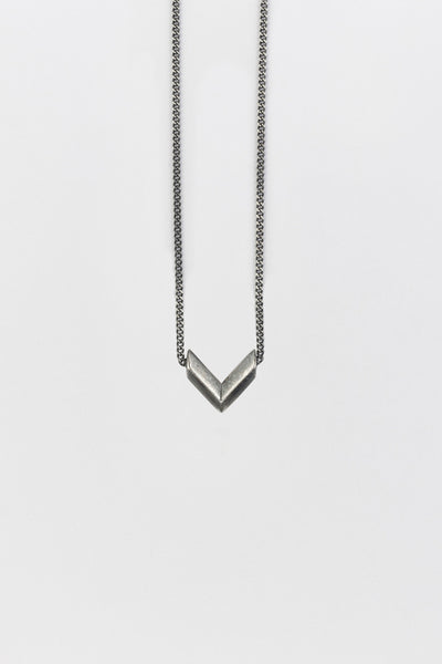 Fang (V) Necklace Antique Silver