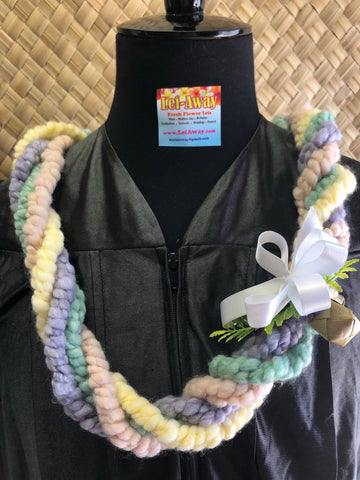 Fancy Yarn Lei