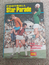 Load image into Gallery viewer, Football Star Parade 1970-71