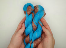 Load image into Gallery viewer, Blue'n brown ombre sock yarn