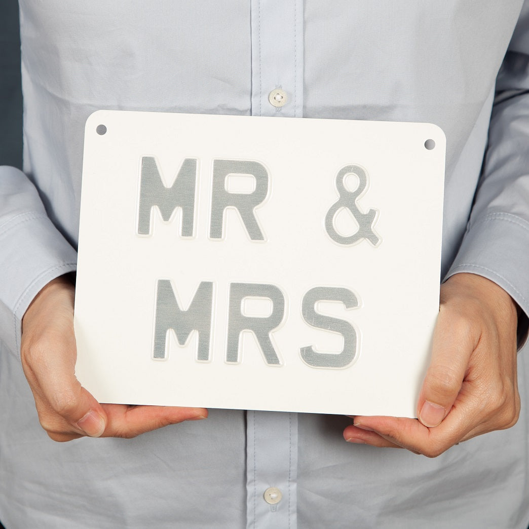 Handmade Vintage Sign - Mr & Mrs