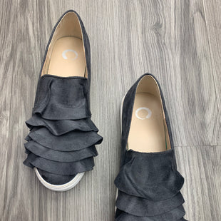 Primary Photo - BRAND:    CLOTHES MENTOR STYLE: SHOES FLATS COLOR: GREY SIZE: 8.5 OTHER INFO: JOURNEE COLLECTION - AS IS SKU: 172-172242-5324