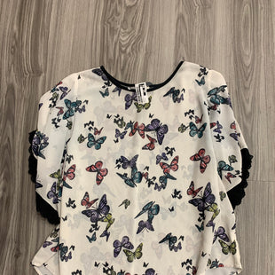 Primary Photo - BRAND: EYESHADOW STYLE: TOP SHORT SLEEVE COLOR: BUTTERFLIES SIZE: 2X SKU: 172-172166-72621