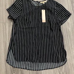 Primary Photo - BRAND:    CLOTHES MENTOR STYLE: TOP SHORT SLEEVE COLOR: BLACK WHITE SIZE: S SKU: 172-17215-78666