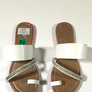 Primary Photo - BRAND: MADELINE STYLE: SANDALS FLAT COLOR: WHITE SIZE: 7.5 OTHER INFO: AS IS SKU: 172-172166-61501