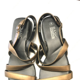 Primary Photo - BRAND: BASIC EDITIONS STYLE: SANDALS FLAT COLOR: BRONZE SIZE: 8 SKU: 172-172170-56910