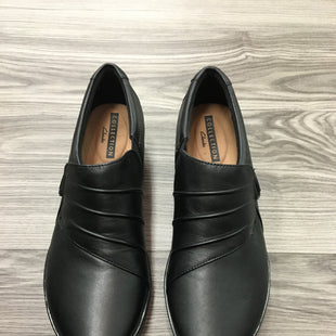 Primary Photo - BRAND: CLARKS STYLE: SHOES ATHLETIC COLOR: BLACK SIZE: 7 SKU: 172-172251-4063