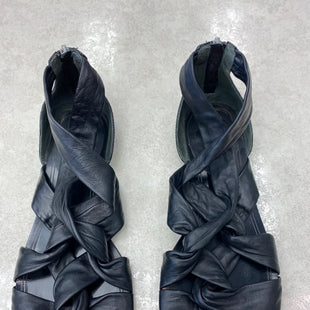Primary Photo - BRAND: COLE-HAAN STYLE: SANDALS FLAT COLOR: BLACK SIZE: 8 OTHER INFO: AS IS SKU: 172-172166-76182