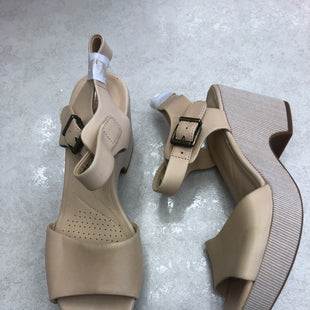 Primary Photo - BRAND: CLARKS STYLE: SANDALS HIGH COLOR: CREAM SIZE: 8 OTHER INFO: NEW! SKU: 172-172166-74520