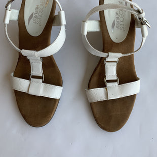 Aerosoles 7.5 - WHITE WEDGED SANDALS WITH BROWN SIDING & SILVER HARDWARE .