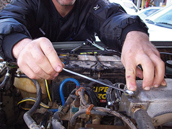 On this engine there is a bleed screw which must be removed when refilling the radiator.