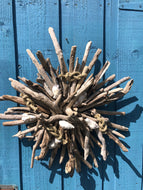 DRIFTWOOD WALL WREATH WITH SHELLS