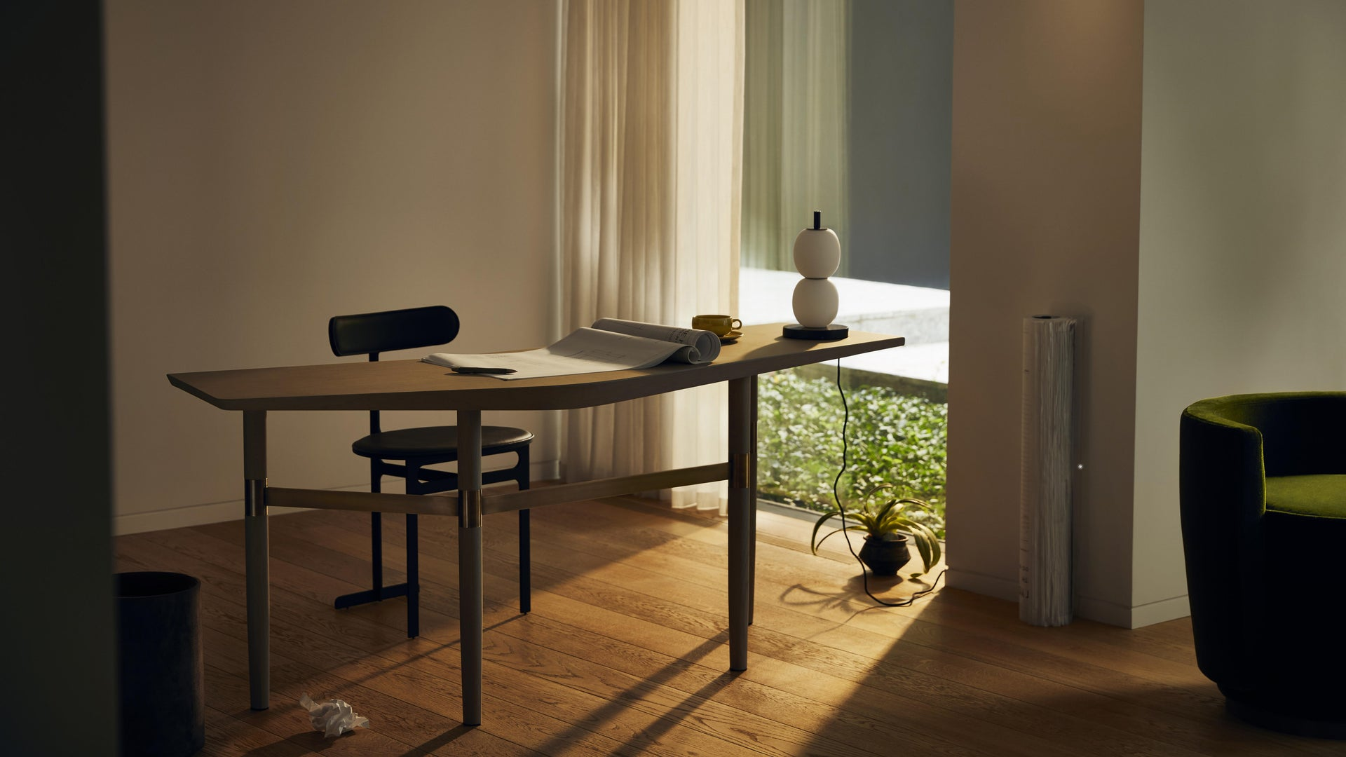 lifestyle | Park Place dining chair and Darling Point desk