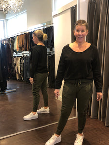 The Ultimate Jogger Olive